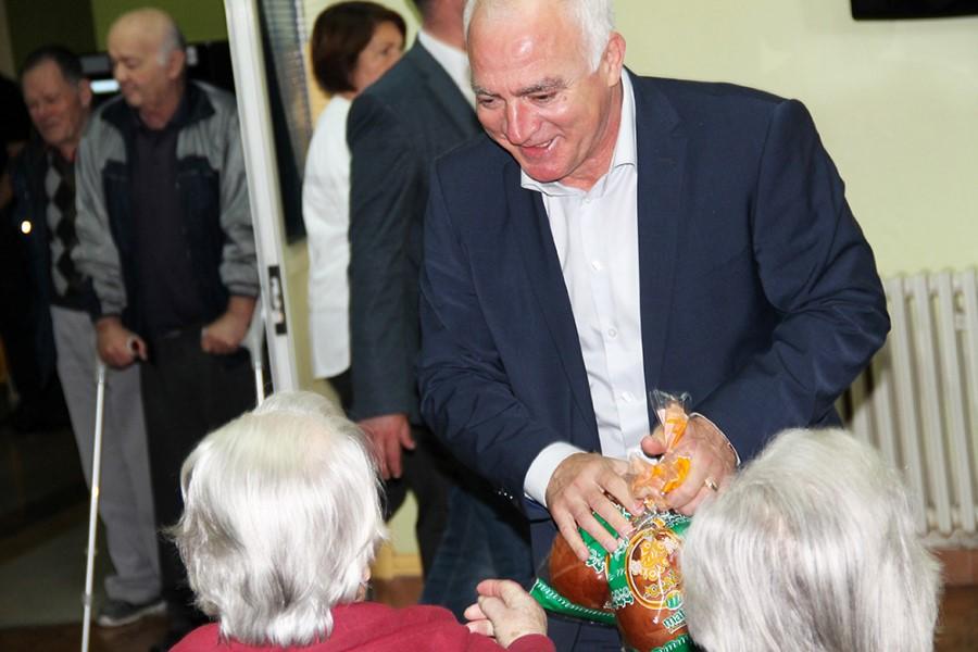 Šibensko-kninska županija: Za domove za stare i nemoćne godišnje izdvaja 24,3 milijuna kuna – neophodnim smatraju povećanje kapaciteta domova i usluge boravka za starije