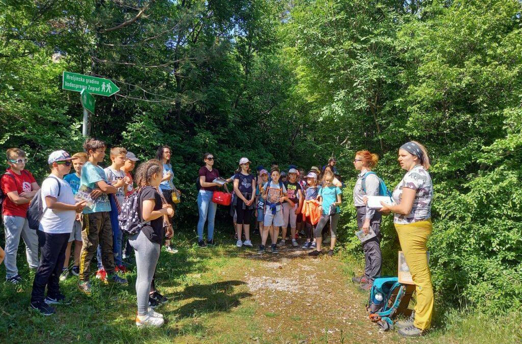 Primorsko-goranska županija: U sklopu EU projekta Carnivora Dinarica učenici se educiraju o velikim zvjerima na području Županije