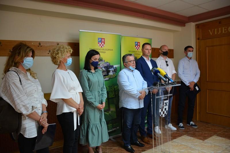 Bjelovarsko-bilogorska županija: Uručeni 4 milijuna kuna vrijedni ugovori za naknadu štete nastale na šaranskim ribnjacima