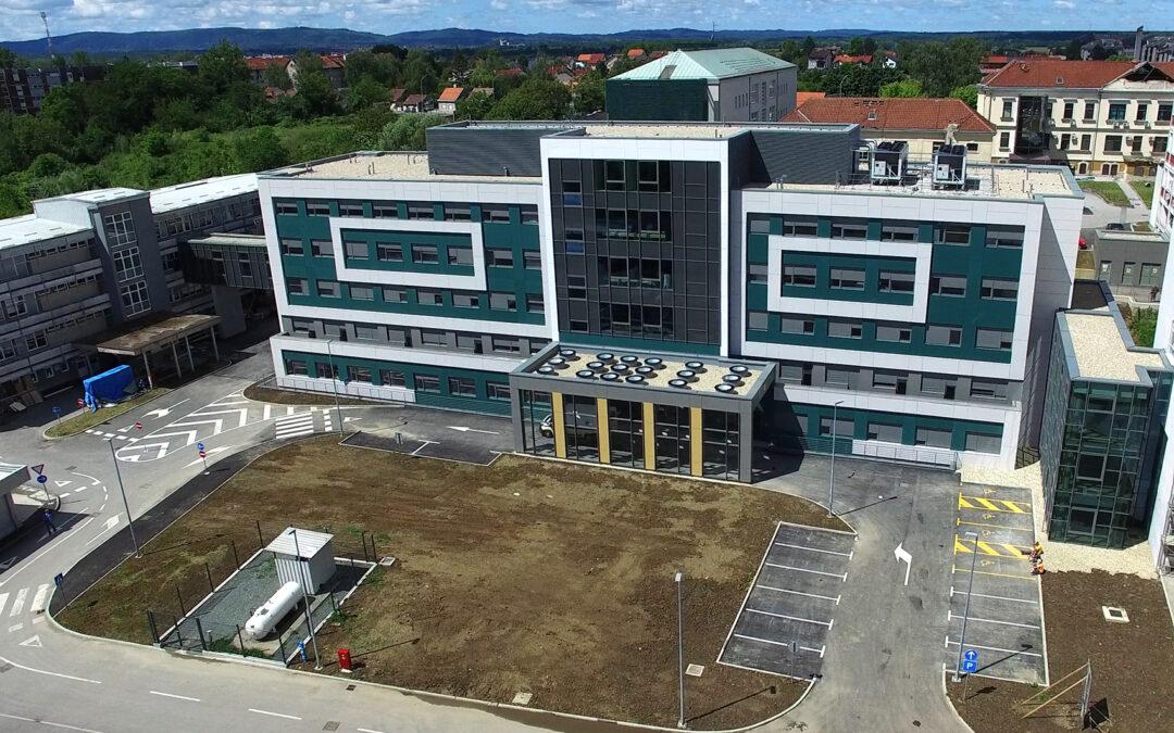 """Sisačko-moslavačka županija: Rekonstrukcija bolničkog kompleksa Opće bolnice """"Dr. Ivo Pedišić"""" – izgrađen Središnji paviljon s dnevnom bolnicom i objedinjenim hitnim bolničkim prijemom"""