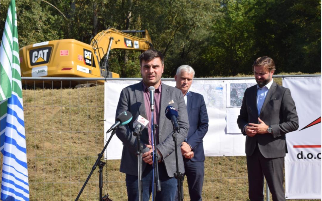 Sisačko-moslavačka županija: Počela rekonstrukcija oštećenog nasipa na rijeci Kupi