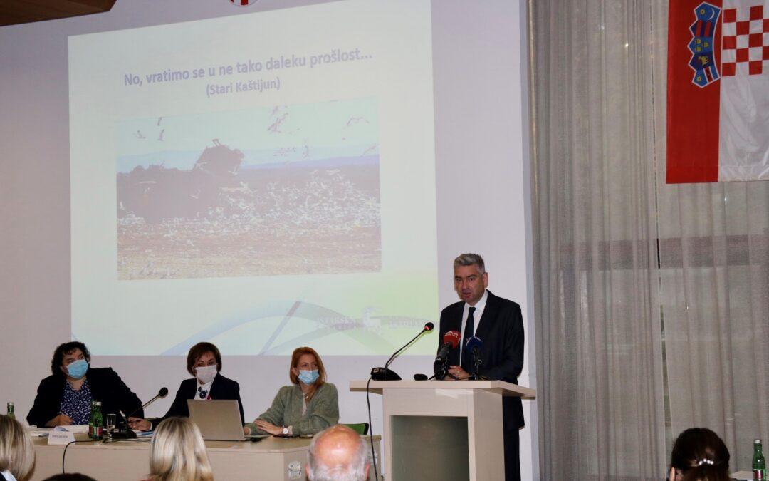 Održana sjednica Skupštine Istarske županije na temu gospodarenja otpadom – Kaštijun je moderno postrojenje za obradu otpada, a neugodne mirise treba rješavati izgradnjom kompostana i sortirnica